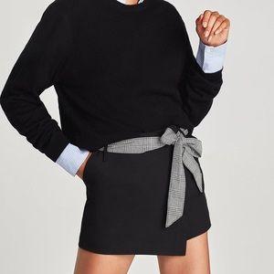 Black Zara skort
